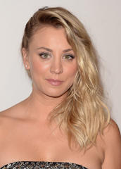 get kaley cuoco's critics choice awards glow!